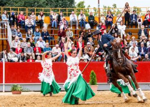 Arte y pasión... Sueños a caballo - Ballet de Pilar Domínguez y Escuela de Equitación de los Hermanos Baena.